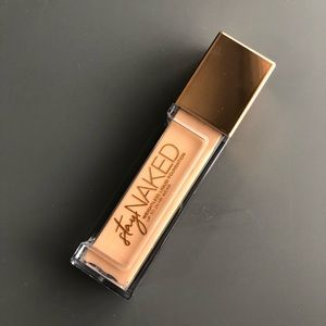 New Urban Decay Stay Naked Longwear Foundation